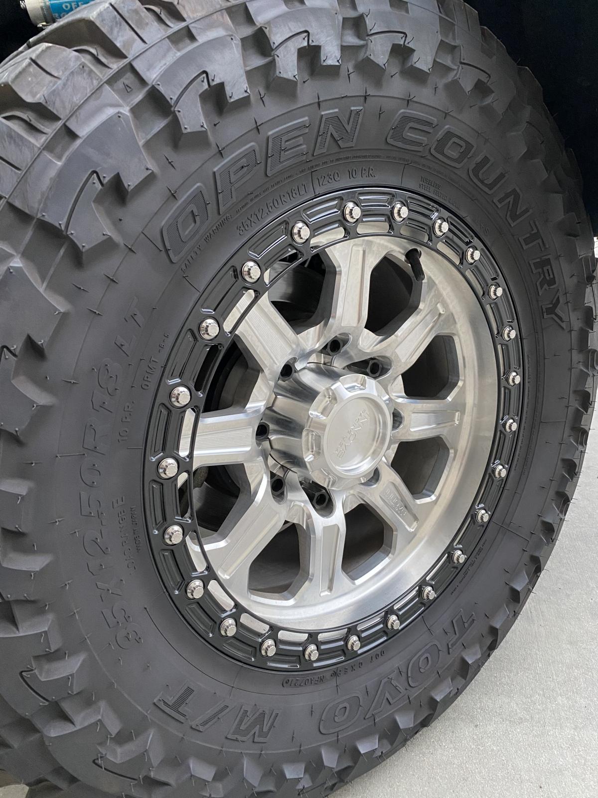 For Sale: 2018 GMC 2500 Denali 4x4 Diesel Leveled w/ Cognito, King Shocks & Innov8 Wheels - photo5