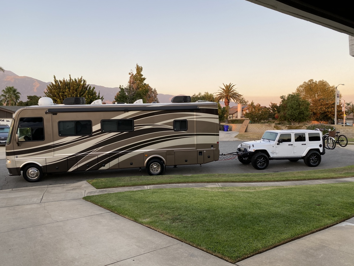For Sale: 2013 Thor RV Motorhome Class A - photo0