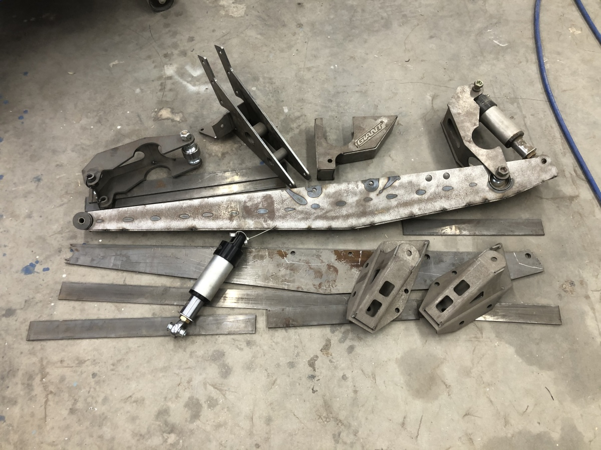 For Sale: Giant Daily Driver Link kit for Ford F150/Bronco - photo0